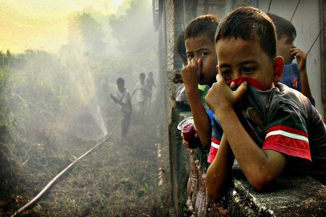 Pelajar Indonesia Melawan Asap