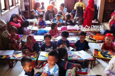 Pendidikan Untuk Anak-anak Laskar Bintang