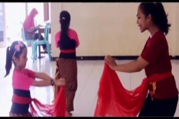 Bantu Rizqa,Nadia&Bob; lestarikan budaya Indonesia