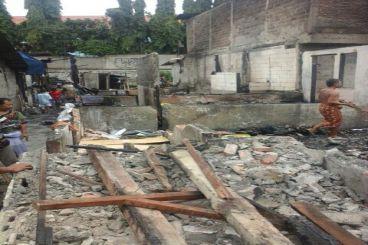 Bantu korban kebakaran 46 rumah di Kebayoran Lama