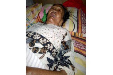 Bantu Mbah Ruk Nenek Yang Sakit Sebatang Kara