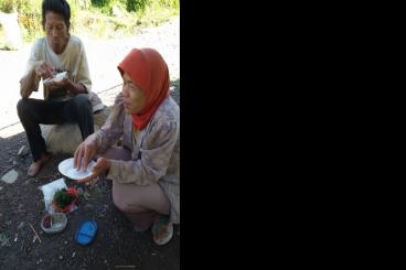Bantu Penambang Pasir Makan Bergizi