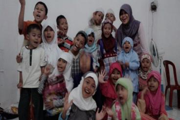 THR Back To School Untuk 30 Yatim Dhuafa