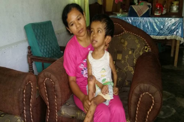 Bantu Ibu Rini Merawat Anak Penderita Hidrocepalus