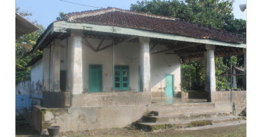 Renovasi Mushola buat anak - anak sekolah MI & MTs