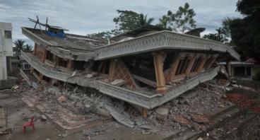 Bangun Masjid Untuk Aceh