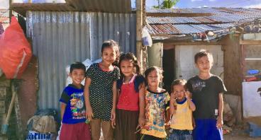 Perlengkapan Sekolah untuk Anak Lingkungan Proyek