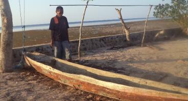 Wakaf Ketinting Fiberglass bagi Nelayan dhuafa NTT