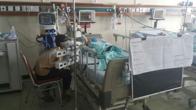 Tsaqis (4 bln) Korban Kecelakaan,Koma,Yatim Piatu