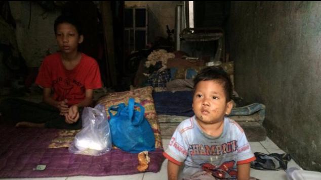 Ditinggal orangtua, anak 16 tahun nafkahi adiknya