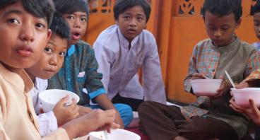 Berbagi Gizi Untuk 250 Yatim dan Dhu'afa