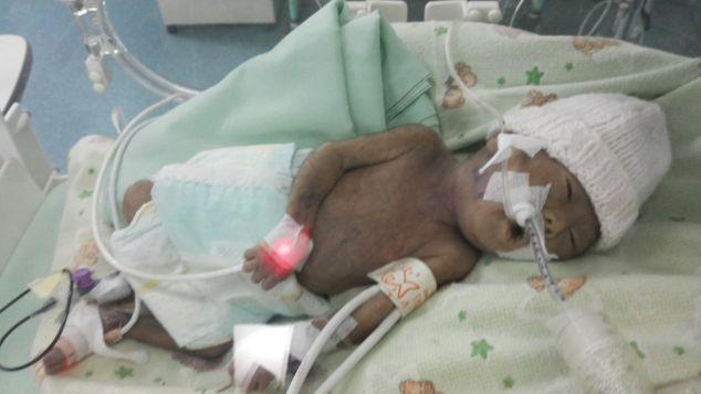 Bantu bayi Alesha