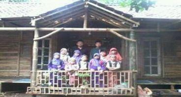 Pembebasan lahan untuk asrama Pondok Pesantren