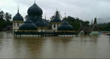 Bantu Banjir 50 Kota