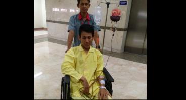Tanda Kasih untuk pejuang kanker Muchlis Munawar