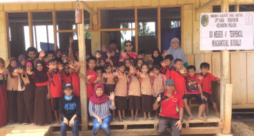 School Kit Untuk Adik-Adik Suku Terasing Lauje
