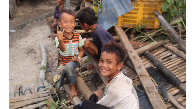 Bingkisan Lebaran untuk Senyum di Kampung Nelayan