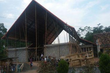 Pembangunan gereja katholik desa jojog