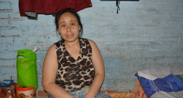 Bantu Ibu Yani, Janda 3 anak menyekolahkan anaknya