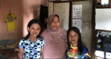 Bantu Udan Kuli Bangunan Sekolahkan 6 Anaknya!