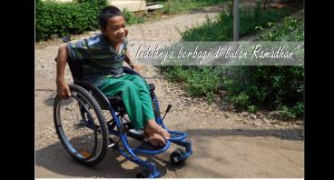 Berbagi kursi roda di bulan baik