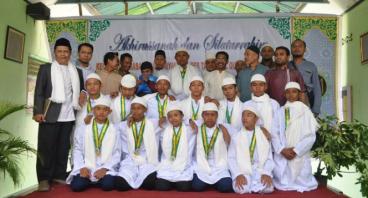 Bantu Keuangan Pesantren Para Penghafal Al Qur'an
