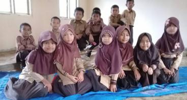 Kelas untuk Suaibah di SDIT Cahaya Permata,Lampung