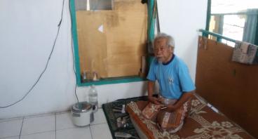 Bantu Pak Sadikin, Sebatang Kara dan Tuna Wisma