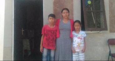 Menanggung 8 Anak, Ayo Bantu Bu Cacah Berwirausaha