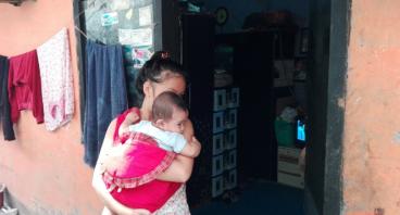 Bantu Ibu Sri Usaha Jualan Jajanan Anak