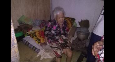 Bantu Nenek Ina yang Hidup Sebatangkara