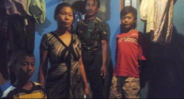 Tidak Cukup Uang, Bantu Bu Siti Perbaiki Rumah