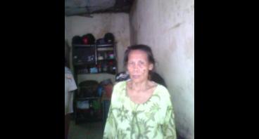Onih, Janda Tua yang Memiliki Anak Down Syndrome