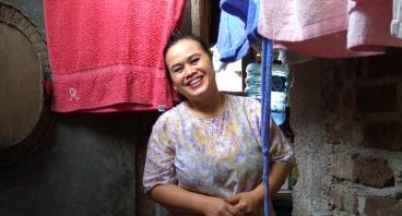 Bantu Ibu Imas Sebagai Tulang Punggung Keluarga