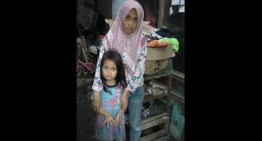 Bantu Ibu Yani Agar Anaknya Bisa Sekolah