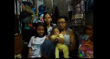 Bantu Keluarga Bu Yayah Memperbaiki Ekonominya