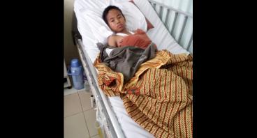 Ibu Ipah, Janda Mengobati Anaknya Yang Kecelakaan