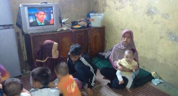 Bantu Bapak Ahmad Agar KeEnam Anaknya Bisa Sekolah