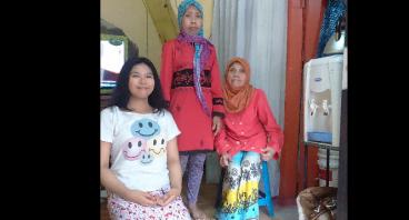Bantu Ibu Maya Agar Anaknya Tetap Sekolah