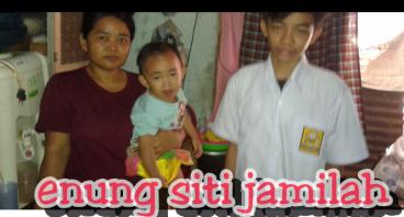 Bantu Ibu Enung Agar Anaknya Tetap Sekolah