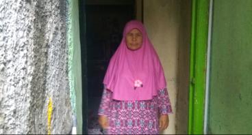 Bantu Ibu Ely Tinggal Di Bangunan Sepetak