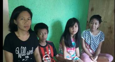Bantu Ibu Tintin Biayai Pendidikan Anak
