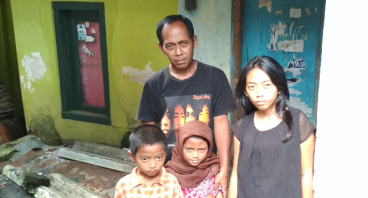 Bantu Pengamen Menghidupi Lima Anak