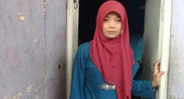 Bantu Ibu Siti Maryam Agar Anaknya Tetap Sekolah