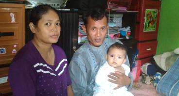 Bapak Ipin Penjaga Masjid Yang Serba Kekurangan