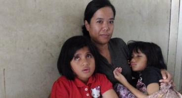 Bantu Ibu Yuyun Membuka Usaha Kue