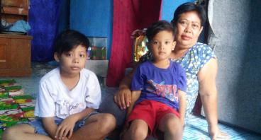 Bantu Ibu Oom Untuk Menghidupi Delapan Anaknya
