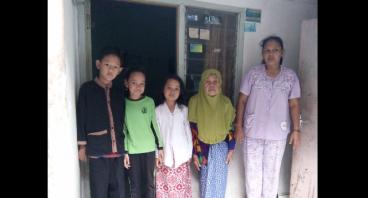 Modal Usaha Janda Neni Untuk Biaya Sekolah Anaknya