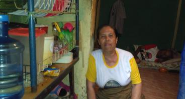 Bantu Kakek Iro Rohend & Istri Menikmati Masa Tua