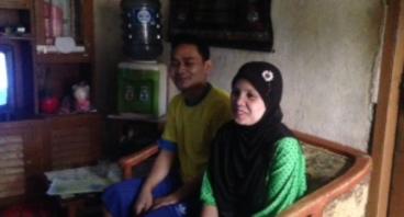 Bantu Modal Usaha Ibu Mimin Untuk Arief Masuk SMK